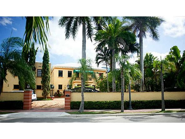 2957 Flamingo Dr., Miami Beach, FL 33140 Photo 2