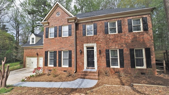 8708 Piccone Brook Ln., Charlotte, NC 28216 Photo 2