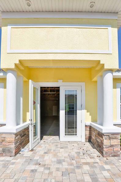 944 Cypress Village Blvd., Ruskin, FL 33573 Photo 7