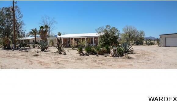 32374 S. Sleepy Hollow Ln., Bouse, AZ 85325 Photo 2