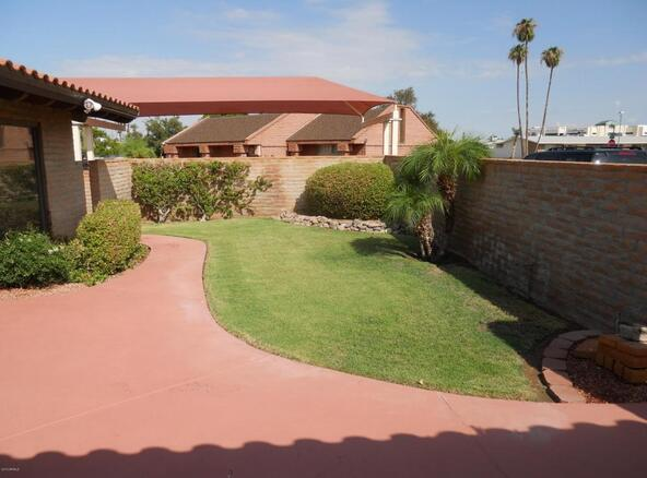 10421 W. Coggins Dr., Sun City, AZ 85351 Photo 16