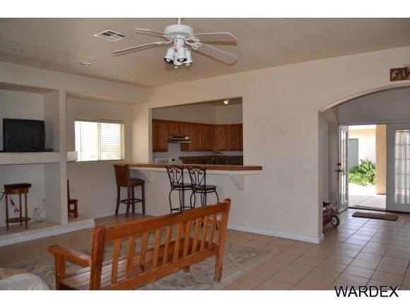 8878 W. Palo Verde Dr., Dolan Springs, AZ 86441 Photo 4