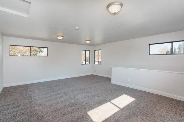 2992 Garland Avenue, Fresno, CA 93726 Photo 24