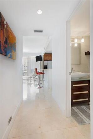 100 Lincoln Rd. # Ph14, Miami Beach, FL 33139 Photo 11