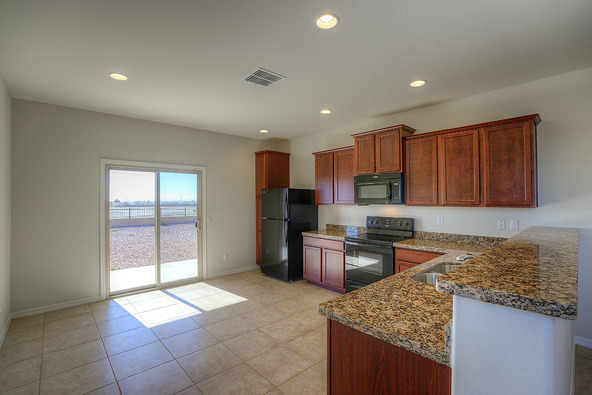 22645 West Gardenia, Buckeye, AZ 85326 Photo 2