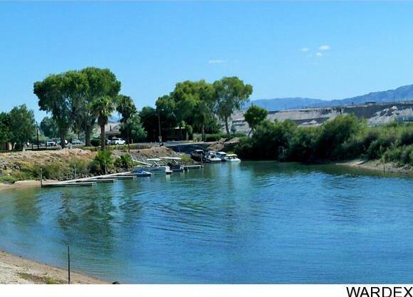 8009 S. Carob Dr., Mohave Valley, AZ 86440 Photo 4