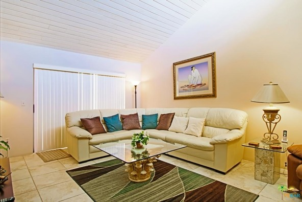 255 E. Avenida Granada, Palm Springs, CA 92264 Photo 4