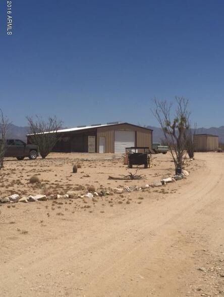 2123 W. Yellowbird Dr., Yucca, AZ 86438 Photo 2