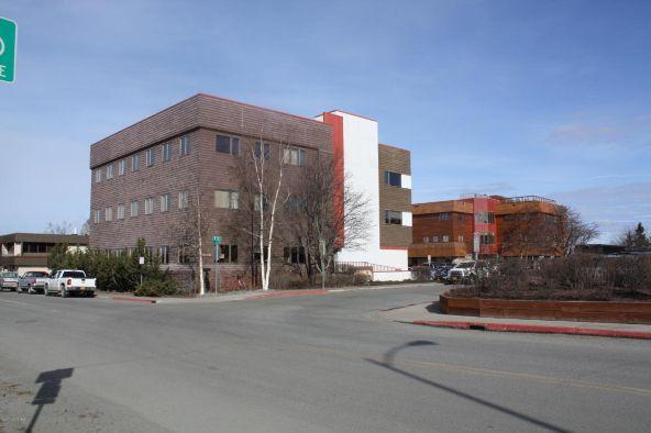 880 N. St., Anchorage, AK 99501 Photo 3