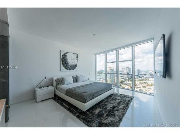 300 S. Pointe Dr. # 3105, Miami Beach, FL 33139 Photo 22