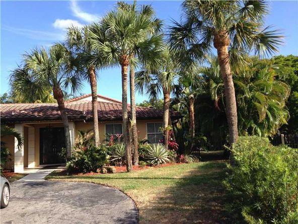 14861 Dunbarton Pl., Miami Lakes, FL 33016 Photo 3