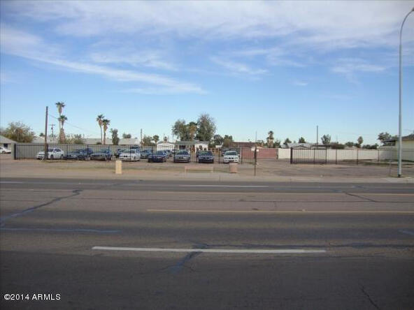 880 E. Chandler Blvd., Chandler, AZ 85225 Photo 2