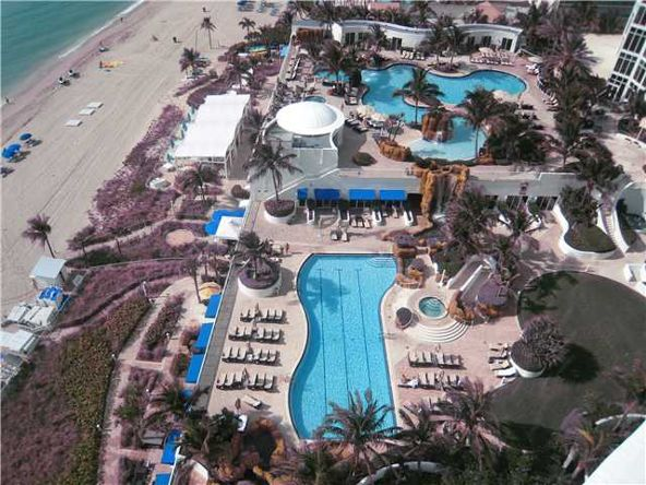 18101 Collins # 1707, Sunny Isles Beach, FL 33160 Photo 4