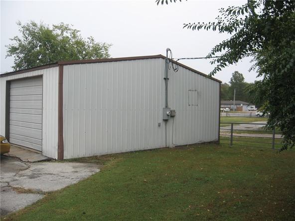 512 W. Tulsa St., Siloam Springs, AR 72761 Photo 4