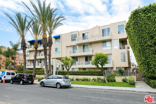 739 Lorraine, Los Angeles, CA 90005 Photo 2