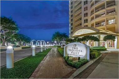 808 Brickell Key Dr. # 3206, Miami, FL 33131 Photo 4
