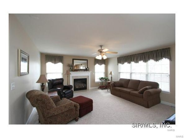 909 Allenbrook Avenue, O'Fallon, IL 62269 Photo 4