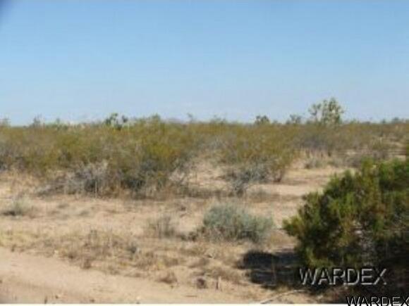 Par 2097 Wild Bill Rd., Yucca, AZ 86438 Photo 4