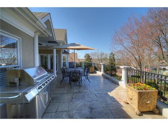 16027 Riverpointe Dr., Charlotte, NC 28278 Photo 6