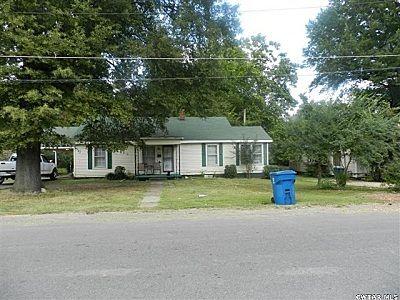 225 8th St., Trenton, TN 38382 Photo 1
