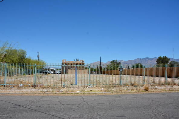338 Grant Rd., Tucson, AZ 85705 Photo 4