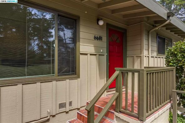 6681 Heartwood Dr., Oakland, CA 94611 Photo 3