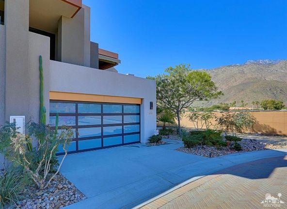 433 North Avenida Caballeros, Palm Springs, CA 92262 Photo 9