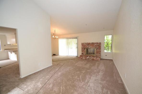 5278 N. El Sol Avenue, Fresno, CA 93722 Photo 2