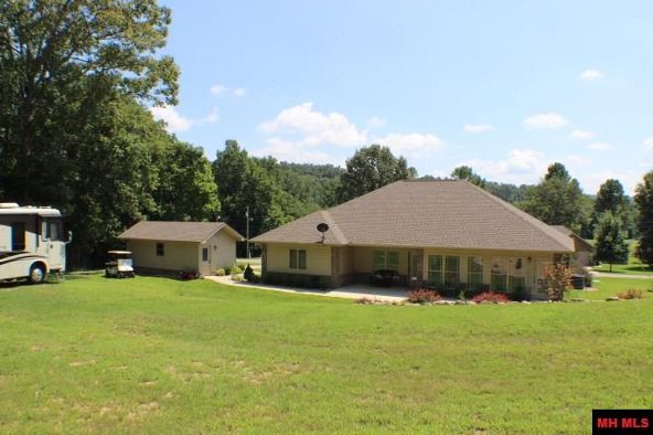 186 Golf Course Terrace, Bull Shoals, AR 72619 Photo 25