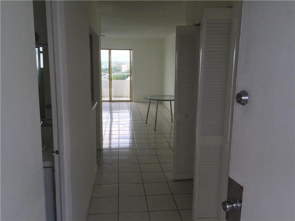 7904 West Dr. # 904, North Bay Village, FL 33141 Photo 3