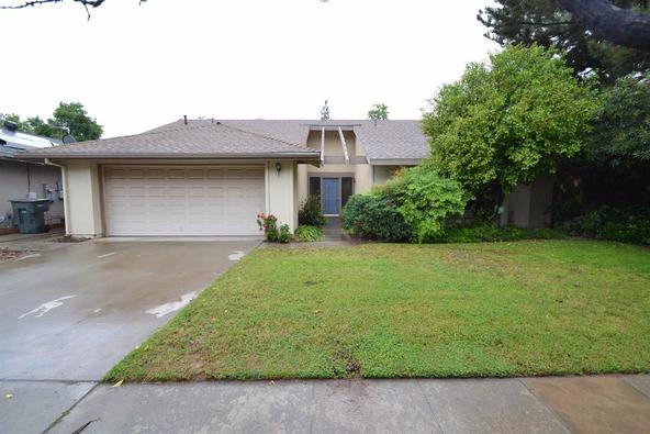 5278 N. El Sol Avenue, Fresno, CA 93722 Photo 1