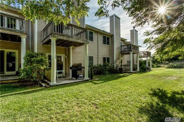 1004 Willow Pond Dr., Riverhead, NY 11901 Photo 1