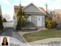 Home for sale: 2753 Clarendon Avenue, Bellmore, NY 11710