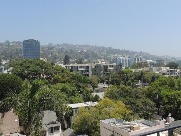 818 Doheny Dr., West Hollywood, CA 90069 Photo 4