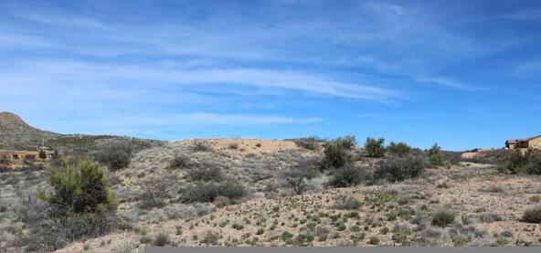 7800 S. Rolling Hills Dr., Kirkland, AZ 86332 Photo 4
