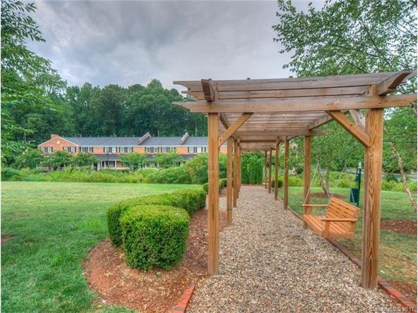 1230 Green Oaks Ln., Charlotte, NC 28205 Photo 4