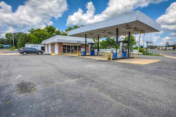 406 Airport Rd., Hot Springs, AR 71913 Photo 1