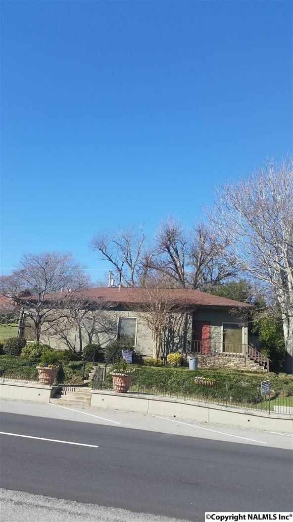 312 Gunter Avenue, Guntersville, AL 35976 Photo 1