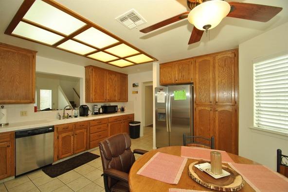 5136 W. Los Altos Avenue, Fresno, CA 93722 Photo 15