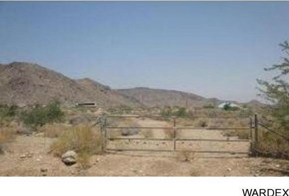 1951 E. Falcon Valley Rd., Kingman, AZ 86409 Photo 2