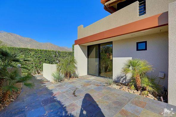 433 North Avenida Caballeros, Palm Springs, CA 92262 Photo 38