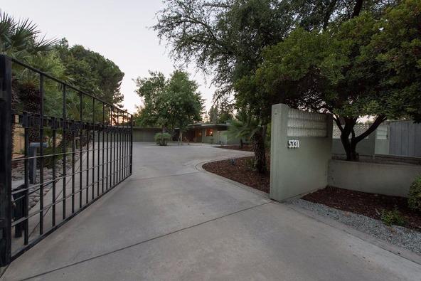 5331 North Sequoia Avenue, Fresno, CA 93711 Photo 2