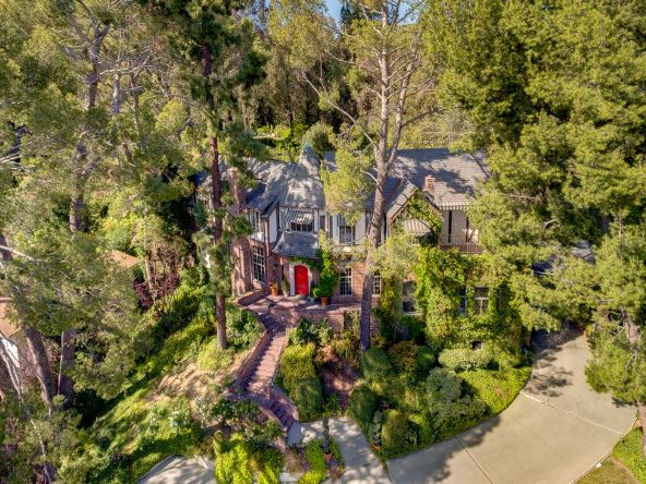 2656 Aberdeen Avenue, Los Angeles, CA 90027 Photo 2