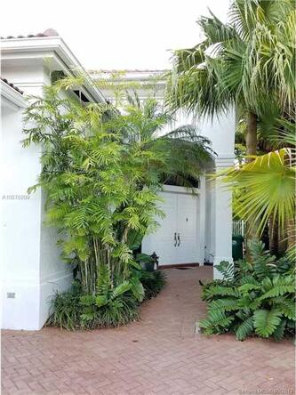 1668 Diplomat Dr., Miami, FL 33179 Photo 2