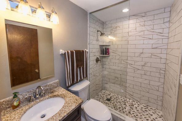 825 E. Henry Clay St. 301, Whitefish Bay, WI 53217 Photo 16