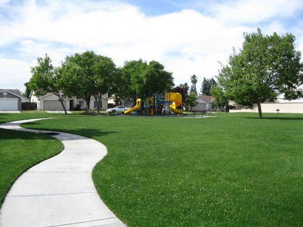 5228 E. Blossom Ln., Fresno, CA 93725 Photo 5