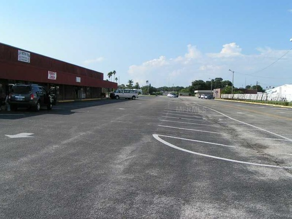 15 Thriftway Plaza, Ruskin, FL 33570 Photo 1