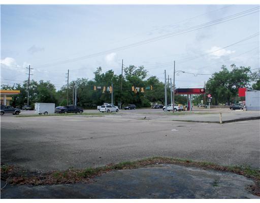 2798 Pass Rd., Biloxi, MS 39531 Photo 3