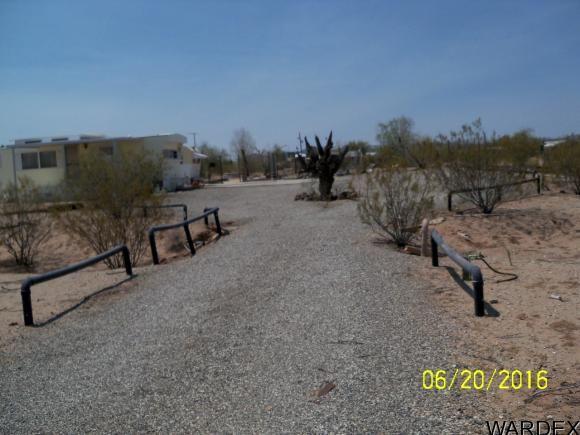 42888 Umatilla, Bouse, AZ 85325 Photo 2