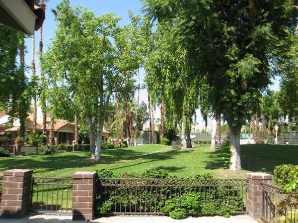 305 Avenida del Sol, Palm Desert, CA 92260 Photo 14